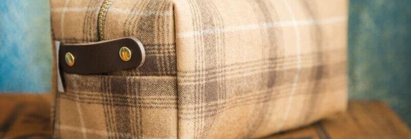 Coffee plaid dopp bag