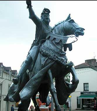 Statue of Owain Glyndwr in Corwen