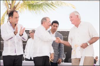Alejandro Zozaya, CEO de Apple Leisure Group; Lic. Danilo Medina, Presidente de República Dominicana; John Mullen, Chairman de MREH