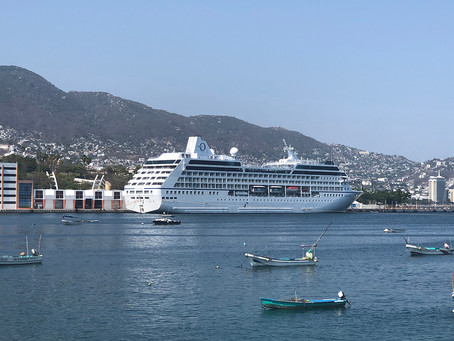 "Arriba crucero ""Regatta"" de Oceania Cruises para estadía en Acapulco"