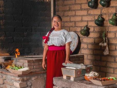 ¡El mole, ícono de la cocina mexicana, platillo para celebrar!