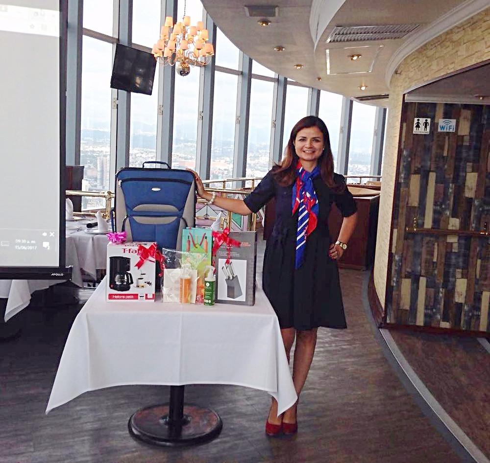 Cristina Carrillo (Gerente de ventas nacional)
