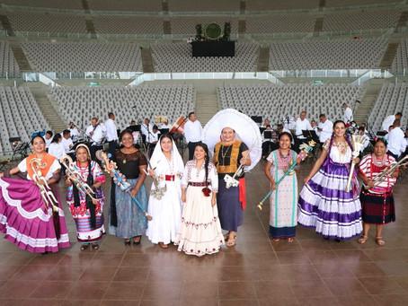 """Fuerza, fortaleza y solidaridad, mensaje que prevaleció en la """"Guelaguetza"""", en Oaxaca"""