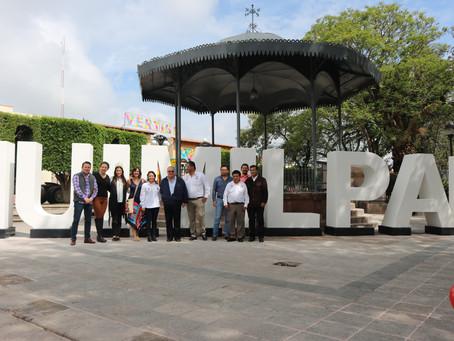 Entregan letras monumentales al municipio de Huimilpan