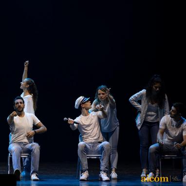 """AICOM fait son show"" à l'Olympia  Photo : Neibafoto"