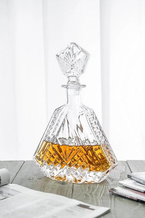 10147-650ML Whiskey bottle