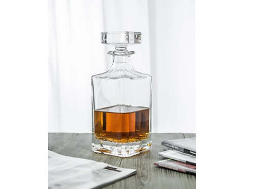 10114-750ML Whiskey bottle