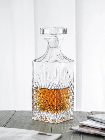 10112-750ML Whiskey bottle