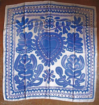 Foulard Giz Koz (Bleu Le Minor, bleu ciel & blanc de nacre) de Dominique Villard