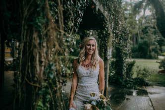 vine garden wedding pictures