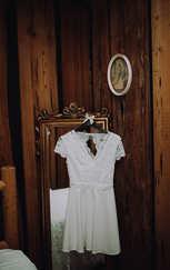 wedding dress bridal suite