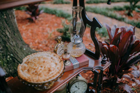 pies and lanterns