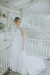 southern home wrap around porch wedding pictures