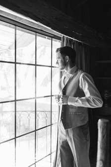 groom suite, groom portraits