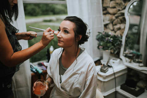 Getting Ready in bridal suite