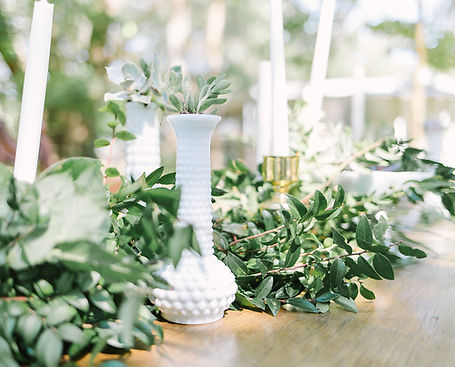 Florida Gaden Wedding Planne and coordinator decoration included in bridal packages
