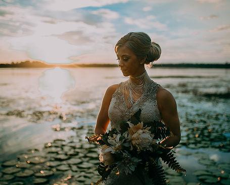 All-inclusive Florida Garden Lake Wedding Venue portraite locations