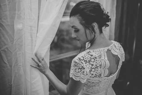 bridal suite portraits