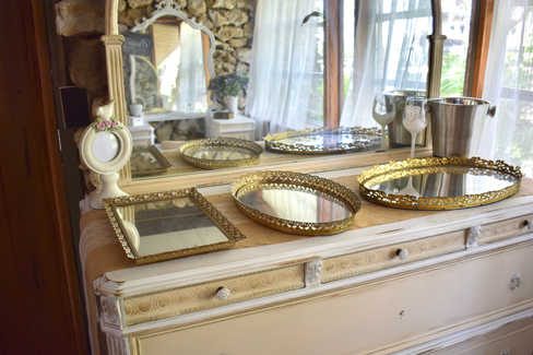 buffet in bridal suite