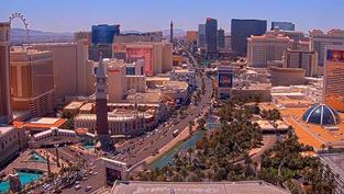 Une vue en live de Las Vegas avec toutes ses lumières la nuit.. Cliquez sur la photo pour lancer le live..