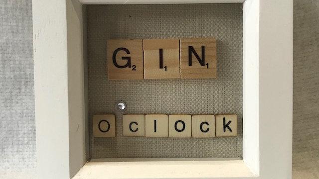 Gin O'Clock, 10cm sq