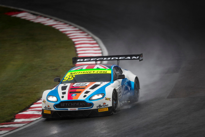 Beechdean AMR aiming high at Rockingham