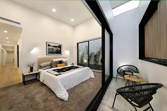 Master bedroom with p