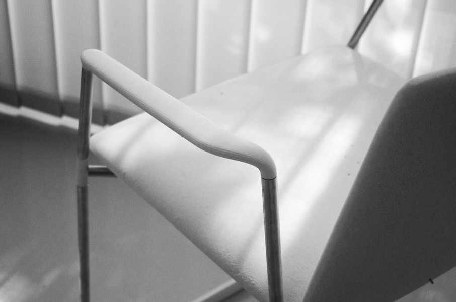 Stamp chair model 32 by Alejandro Valdes