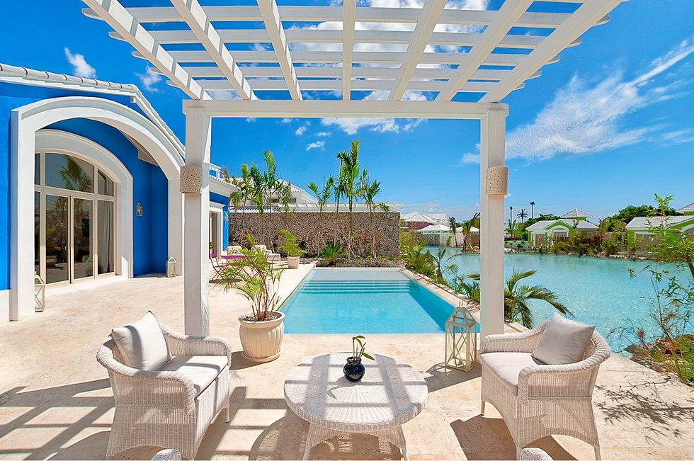 Two_Bedrooms_Suite_private_Pool.jpg
