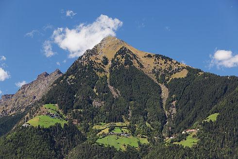 Der Dorf Tiroler Hausberg Mut, ist leicht über die Seilbahn vom Tiroler Kreuz bis zu den Muthöfen zu erreichen