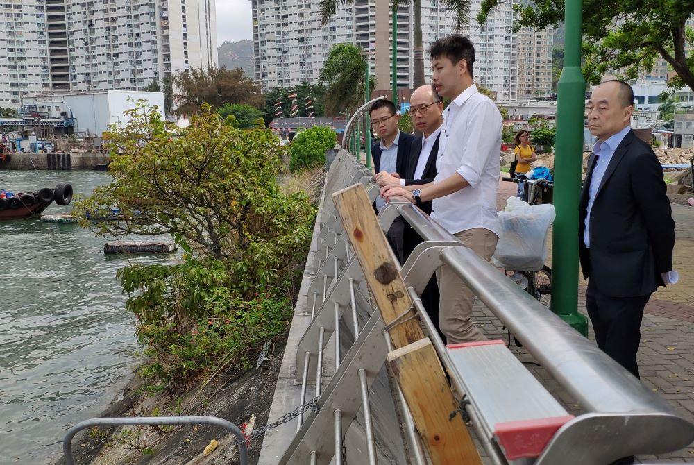 向政府反映屯門小船上落位不足的問題