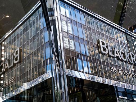 Las utilidades de BlackRock aumentaron un 23% en el tercer trimestre