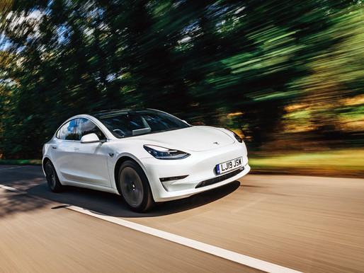 Tesla recibe un golpe en Reino Unido, Model 3 está excluido del incentivo EV