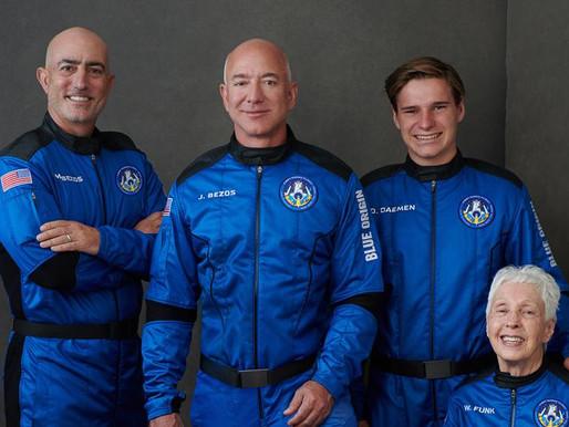 La cápsula espacial de Jeff Bezos aterriza en el oeste de Texas después de un vuelo al espacio