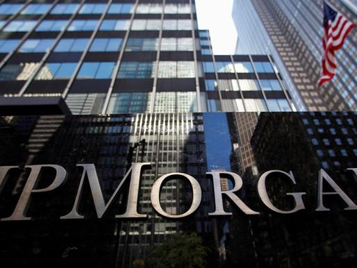 Utilidades de JPMorgan se duplican, pero los ingresos de trading caen 30%