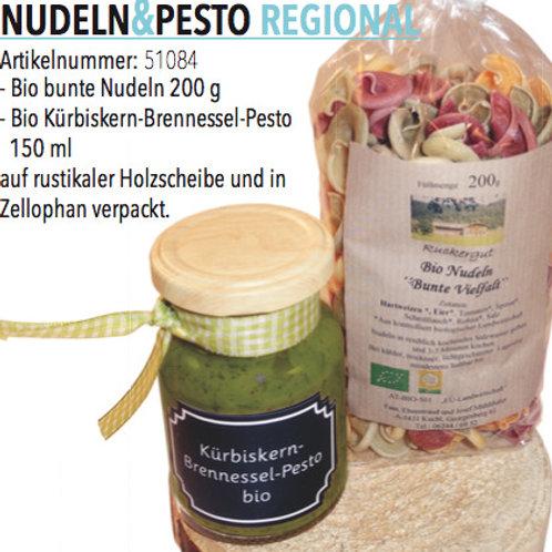 Nudeln und Pesto regional