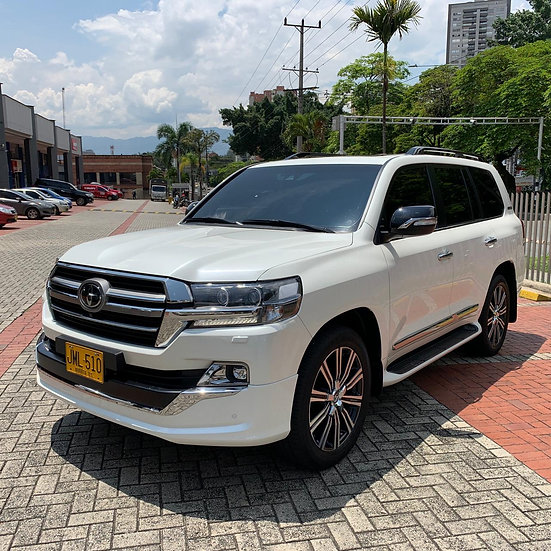 Toyota Sahara V8 Executive Lounge 4.5 4x4 2020