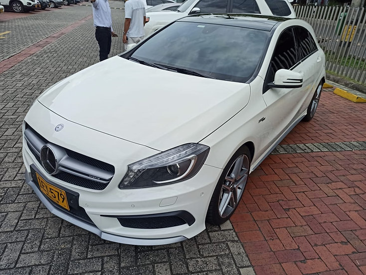 Mercedes-Benz A 45 Amg 4Matic 2.0T At 2015