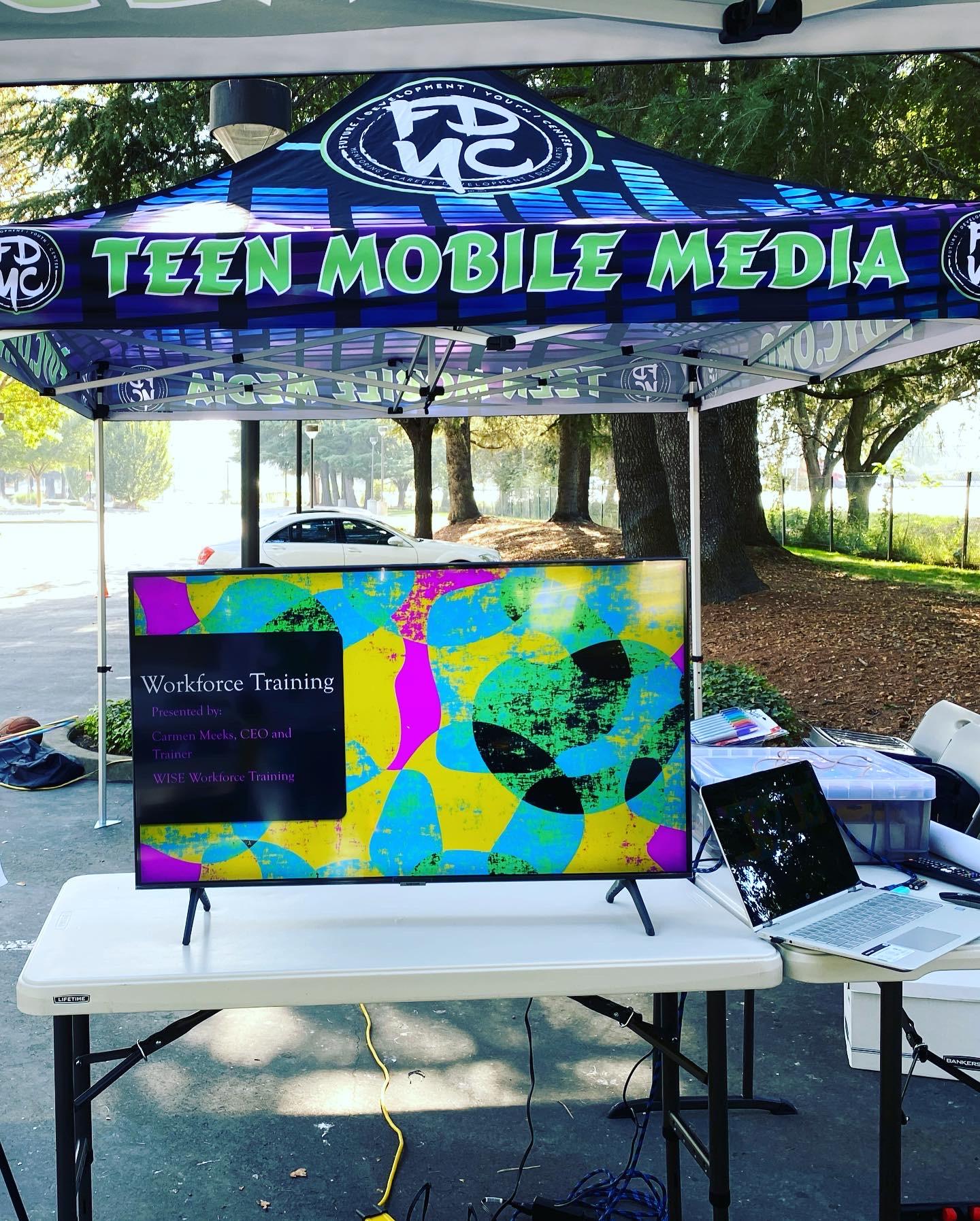 TEEN MOBILE MEDIA BUS