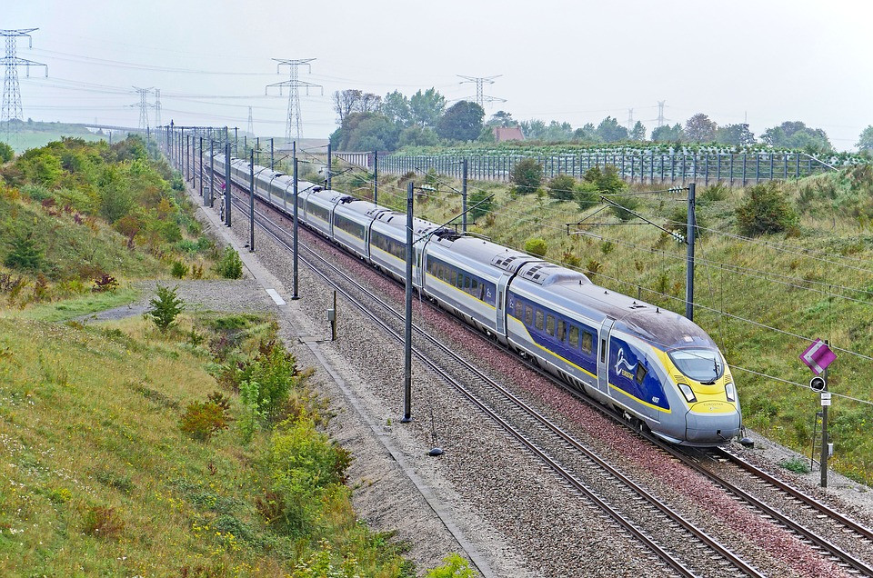 High speed train illustrates best use of electrification of transportation