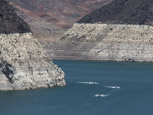 Lake Mead bath rings show how water supplies in the western United States are restricted due to climate change