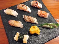 Tsukiji 7 Nigiri and Uni