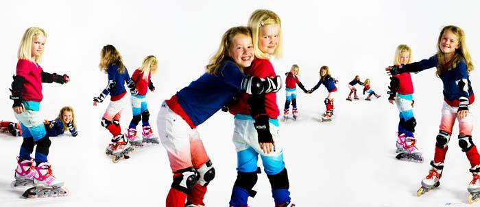 twee zusjes op rollerskates