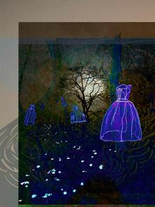 Glowing-dresses-in-the-dark