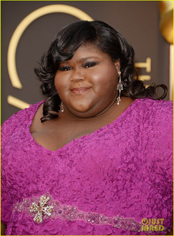 gabourey-sidibe-gets-to-work-on-oscars-2014-red-carpet-03.jpg