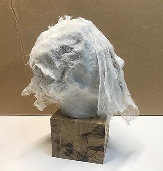 Sculpture Tete terre cuite gaze bois