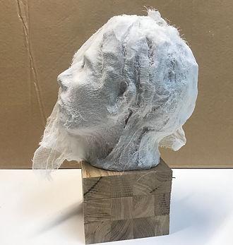 sculpture tête terre cuite gaze bois