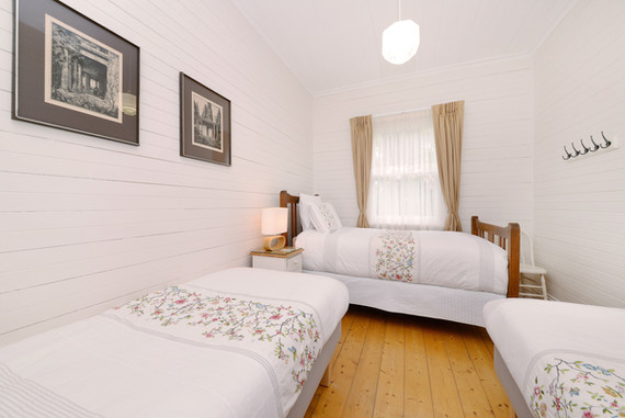 King single and two single beds