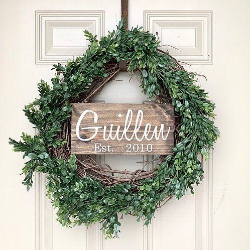 Green Wreath, Last Name Sign
