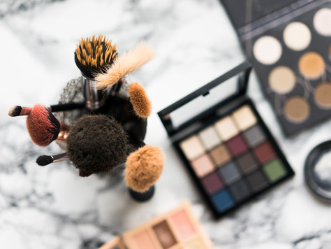 Makeup Lessons - Want to learn to apply makeup like a pro? Book in for a makeup lesson today